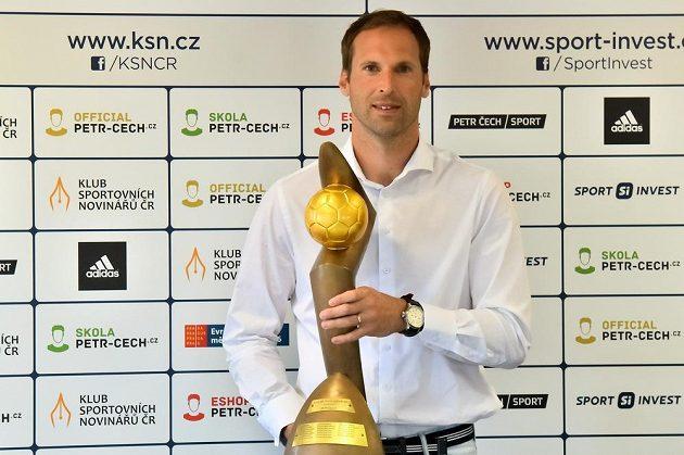 Brankář Petr Čech získal podesáté v kariéře Zlatý míč ČR.
