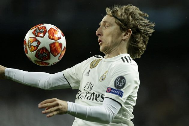 Středopolař Realu Luka Modrič v odvetě osmifinále Ligy mistrů proti Ajaxu.