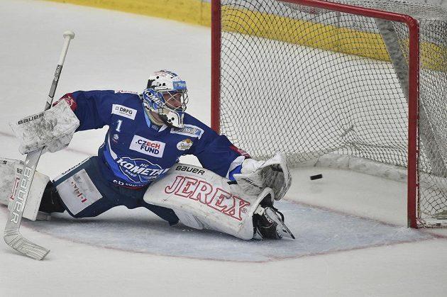 Druhý gól inkasuje brankář Brna Marek Čiliak.