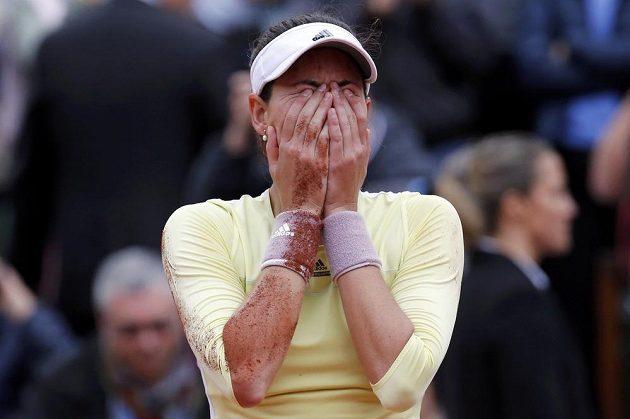 Radost Garbiňe Muguruzaové po vítězství nad Američankou Serenou Williamsovou ve finále French Open.