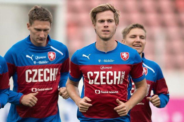 Milan Škoda (vlevo), Tomáš Kalas a Martin Frýdek během tréninku české fotbalové reprezentace na Strahově.