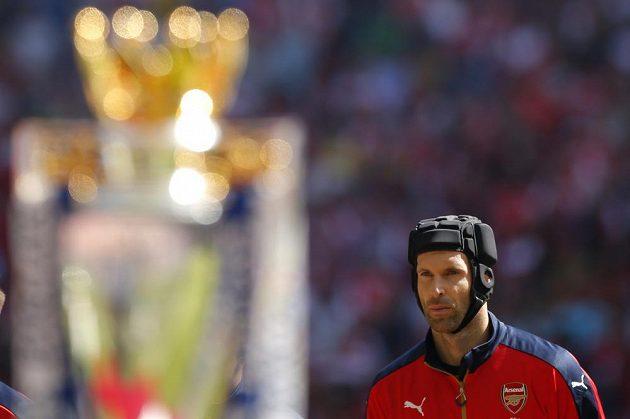 Petr Čech před zápasem Community Shield proti Chelsea.