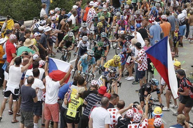 Čeští fanoušci podél trati 18. etapy Tour de France.