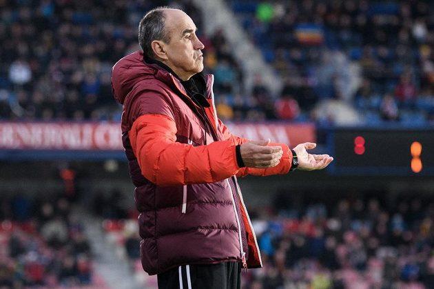 Trenér Sparty Praha Václav Kotal během utkání se Zlínem.