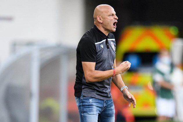 Trenér Viktorie Plzeň Adrian Guľa během utkání 1. kola Fortuna ligy s Opavou.