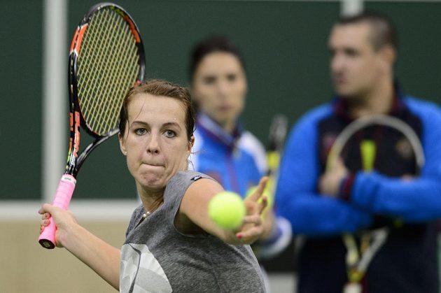 Ruská tenistka Anastasia Pavljučenkovová během úterního tréninku před finále Fed Cupu s Českem.