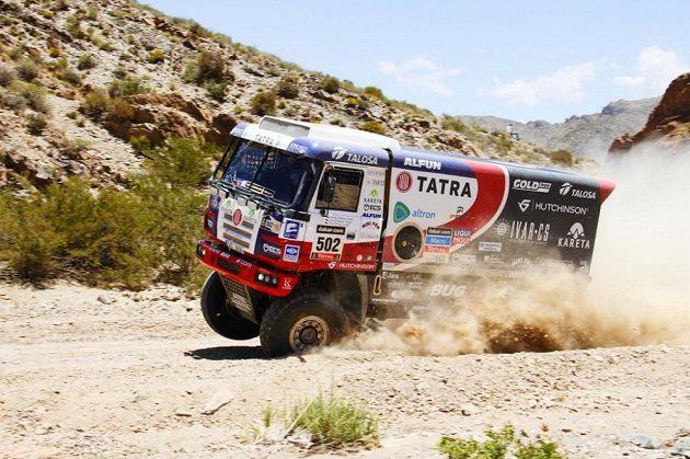 Martin Kolomý s kamiónem Tatra na trati páté etapy Rallye Dakar.