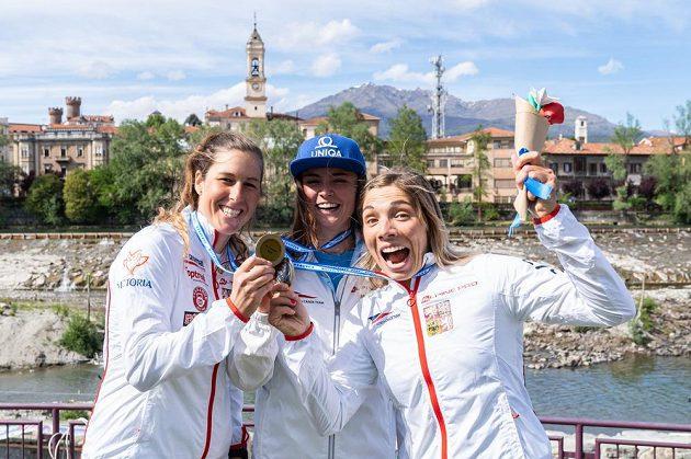 Mistrovství Evropy ve vodním slalomu. Zleva Kateřina Minařík Kudějová, Antonie Galušková a Veronika Vojtová.