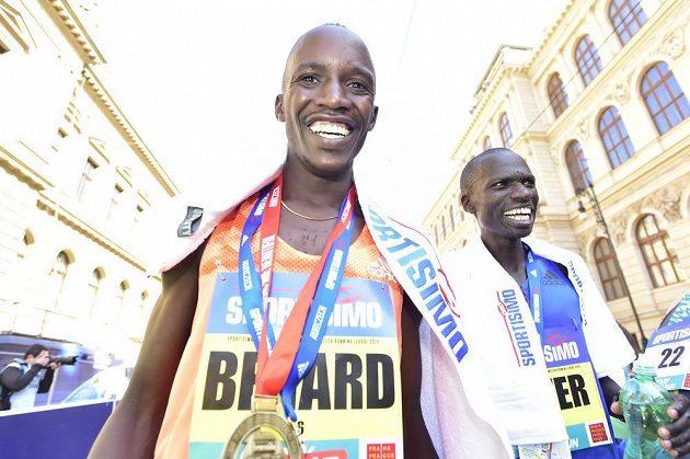 Vítěz mužské kategorie Pražského půlmaratonu Bernard Kimeli z Keni.