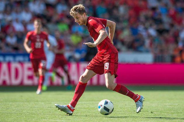 Český záložník Ladislav Krejčí během přípravného utkání s Jižní Koreou.