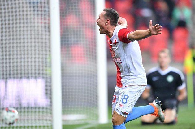 Fotbalista Slavie Jan Bořil se raduje ze vstřelené branky.