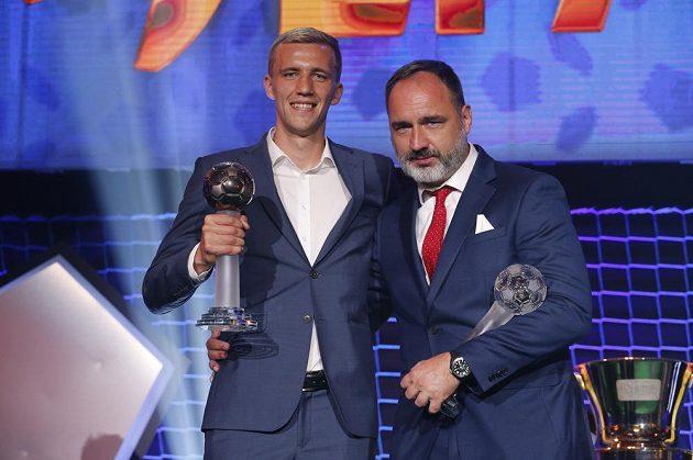 Na snímku Tomáš Souček a trenér Trpišovský.