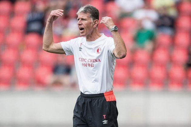 Trenér Jaroslav Šilhavý v přípravě proti Celtiku Glasgow.