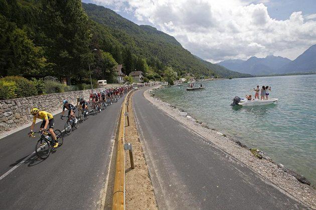Džitel žlutého trikotu na Tour de France Chris Froome v 19. etapě Tour de France.