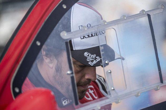 Zadumaný šampion Fernando Alonso.