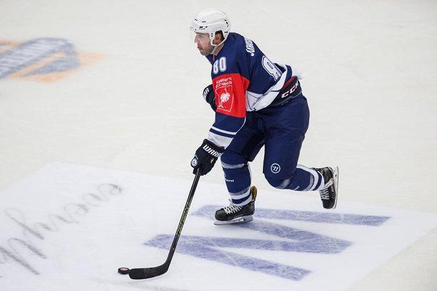 Plzeňský útočník Nicholas Johnson během utkání hokejové Ligy mistrů se Stavangerem.