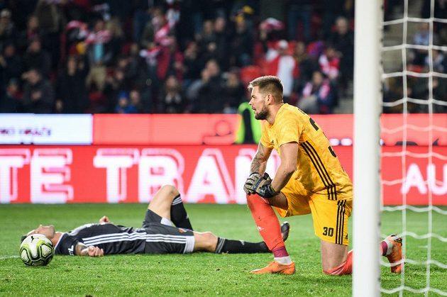 Brankář Baníku Ostrava Viktor Budinský po čvrtém obdrženém gólu během utkání 15. kola Fortuna ligy na Slavii.