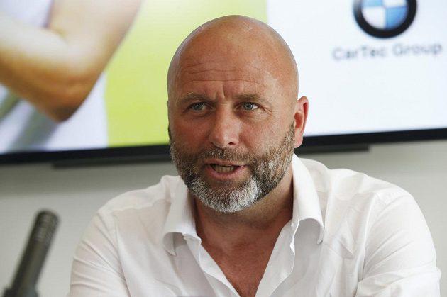 Trenér české šampiónky David Kotyza.