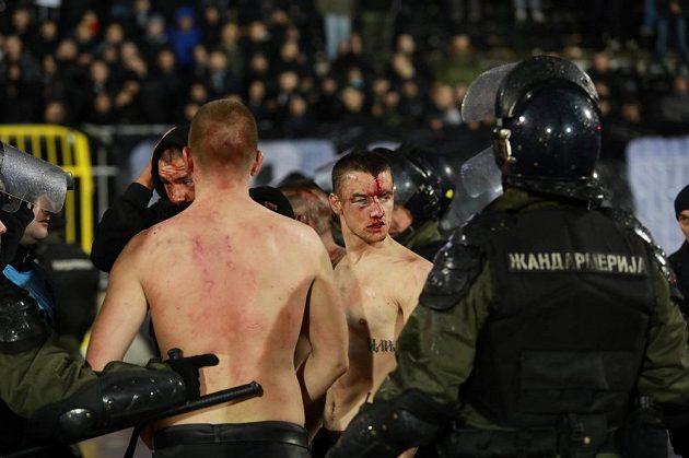 Bělehradská policie zasahovala při derby Partizanu s CZ.