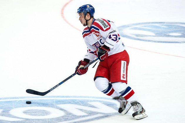 Český útočník Jan Kovář během utkání s Finskem v pražské O2 areně.