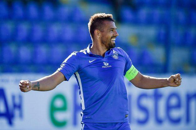 Liberecký Milan Baroš se raduje z prvního gólu proti Mladé Boleslavi.