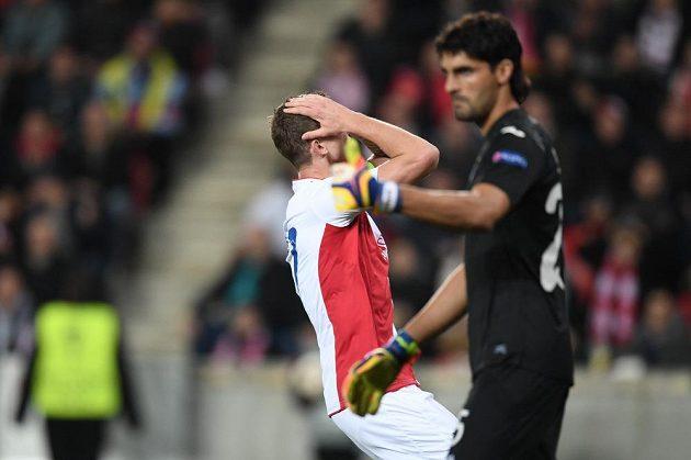 Slávista Tomáš Necid si vyčítá zmařenou šanci proti Villarrealu.