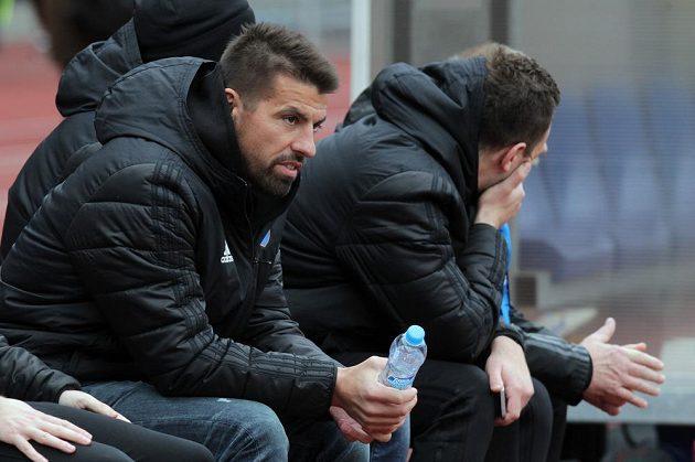 Legendární ostravský útočník Milan Baroš na lavičce.