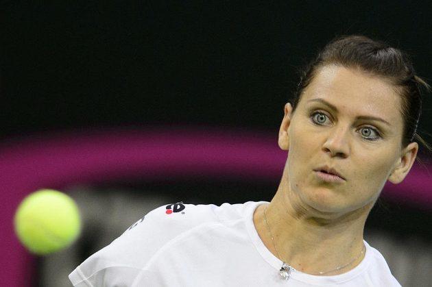 Česká tenistka Lucie Šafářová během úterního tréninku před finále Fed Cupu s Ruskem.