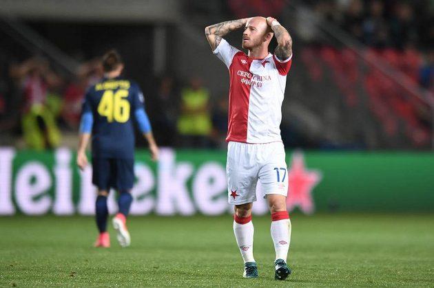 Slávista Miroslav Stoch reaguje po nevyužité šanci v odvetě play off Ligy mistrů.