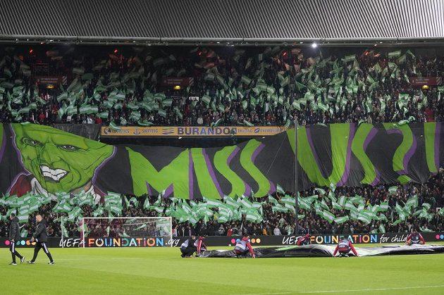 Parádní atmosféra na stadionu Feyenoordu