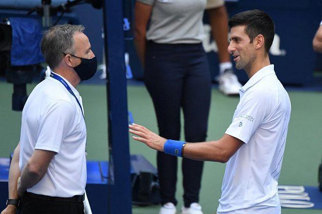 Novak Djokovič byl z US Open za trefení čárové rozhodčí vyloučen