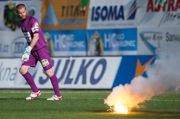 Jablonecký brankář Vlastimil Hrubý během utkání 6. kola Synot ligy se Spartou.