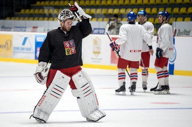 Brankář Pavel Francouz během tréninku reprezentace ve Znojmě.