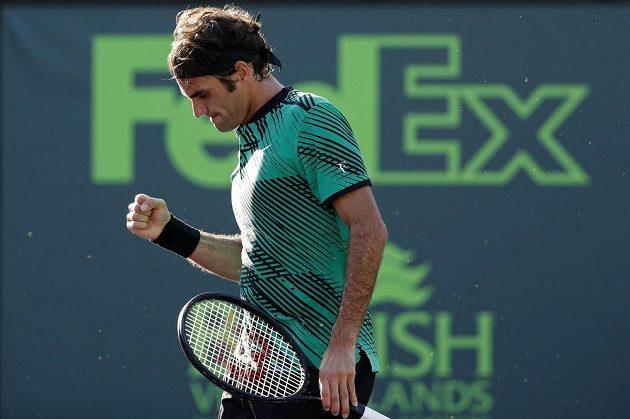 Švýcarský tenista Roger Federer vyhrál ve čtvrtfinále v Miami nad Tomášem Berdychem první set v poměru 6:2.