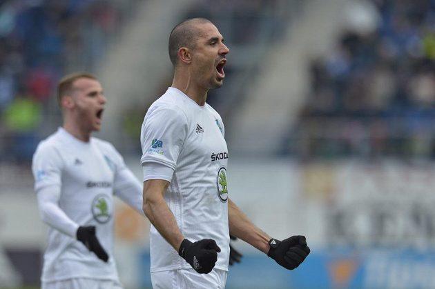 Douglas Da Silva z Boleslavi se raduje z gólu v síti Sparty, kterým rozhodl utkání 20. kola první fotbalové ligy.