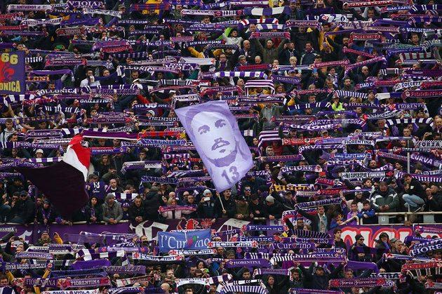Fanoušci Fiorentiny před utkáním s Beneventem.