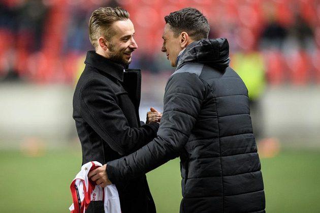 Jiří Bílek (vpravo) gratuluje Dušanu Šventovi.