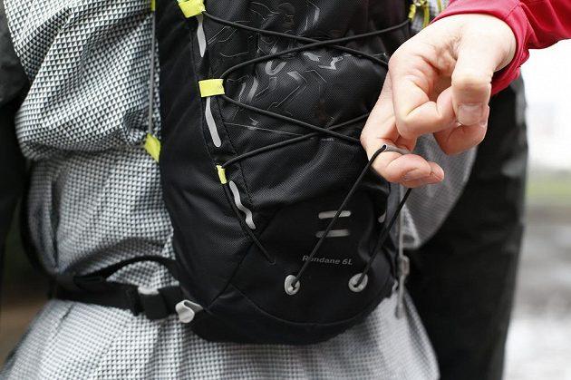 8023dc3702 Systém utahování gumové pavučiny je rychlý a účinný.