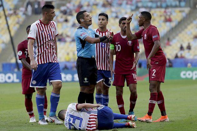 Fotbalová Copa América, mistrovství Jižní Ameriky přineslo emocemi nabitý zápas Paraguay - Katar, který skončil nerozhodně 2:2.