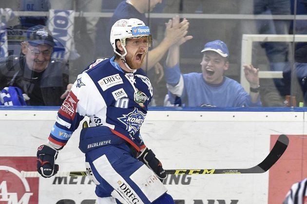 Martin Erat z Brna se raduje ze svého gólu.
