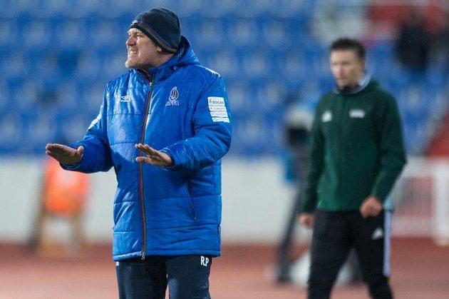 Trenér Ázerbájdžánu Robert Prosinečki během utkání v Ostravě.