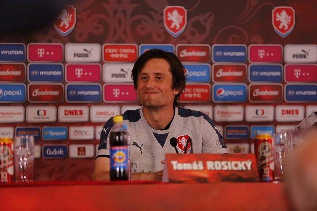 Tomáš Rosický na tréninku české fotbalové reprezentace na mistrovství Evropy ve Francii.
