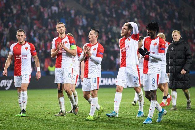 Fotbalisté Slavie Praha po utkání základní skupiny Ligy mistrů s Interem Milán.