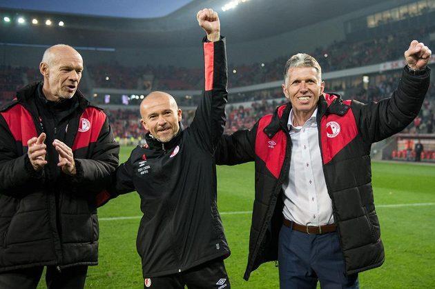 Trenéři Slavie Praha (zleva): Milan Veselý, Jiří Chytrý a Jaroslav Šilhavý oslavují vítězství nad Plzní.
