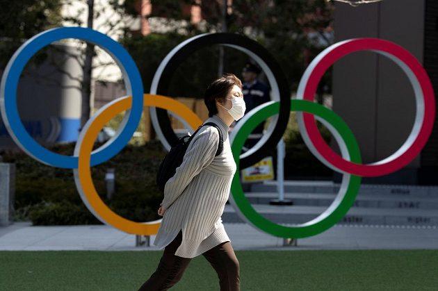 Strach v šíření nebezpečného koronaviru svírá i pořadatele olympijských her v Tokiu.