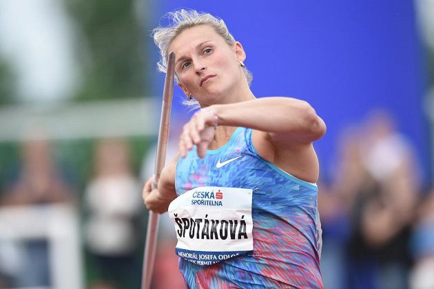 Barbora Špotáková při svém pokusu na Memoriálu Josefa Odložila.