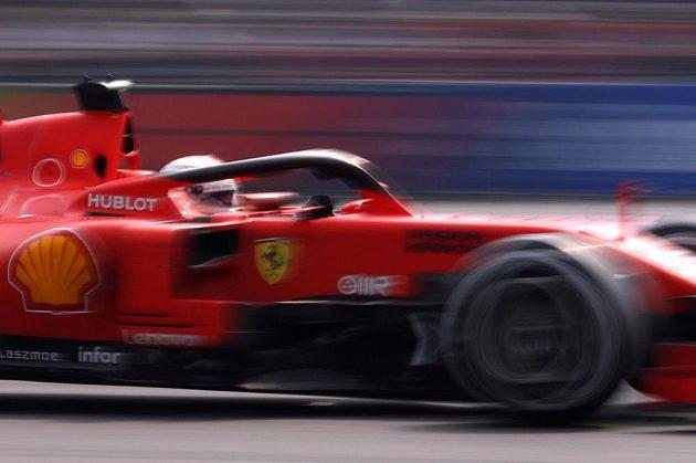 Sebastian Vettel dojel s ferrari v Mexiku na druhém místě.