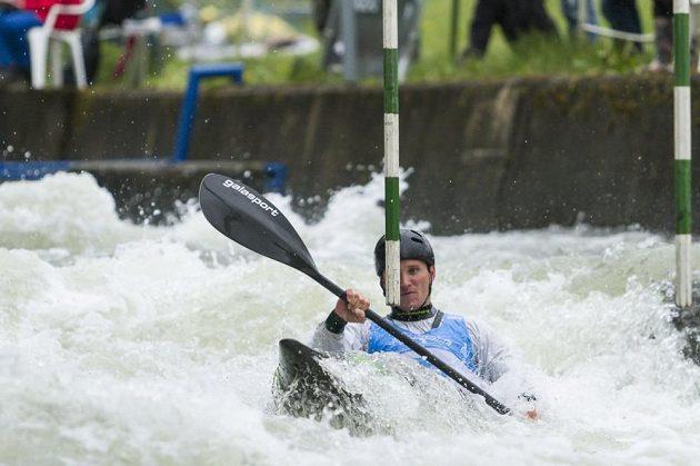 Vodní slalomář Vít Přindiš při nominačním závodu na Trnávce.