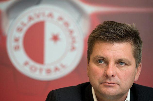 Trenér Slavie Praha Dušan Uhrin mladší na tiskové konferenci.