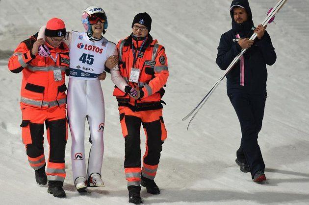 Zranění Vojtěcha Štursy není vážné a dvaadvacetiletý skokan na lyžích odletí k dalšímu závodu Světového poháru do Finska. Štursa se zranil v páteční kvalifikaci na úvodní závod sezony ve Wisle.